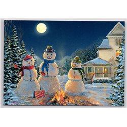 THREE SNOWMAN near Cottage Garden Xmas Tree Moon Russian New Postcard